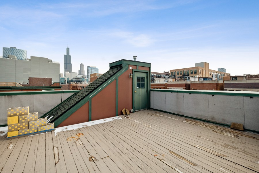 Real Estate Photography - 1034 W Monroe, Chicago, IL, 60607 - Roof Deck