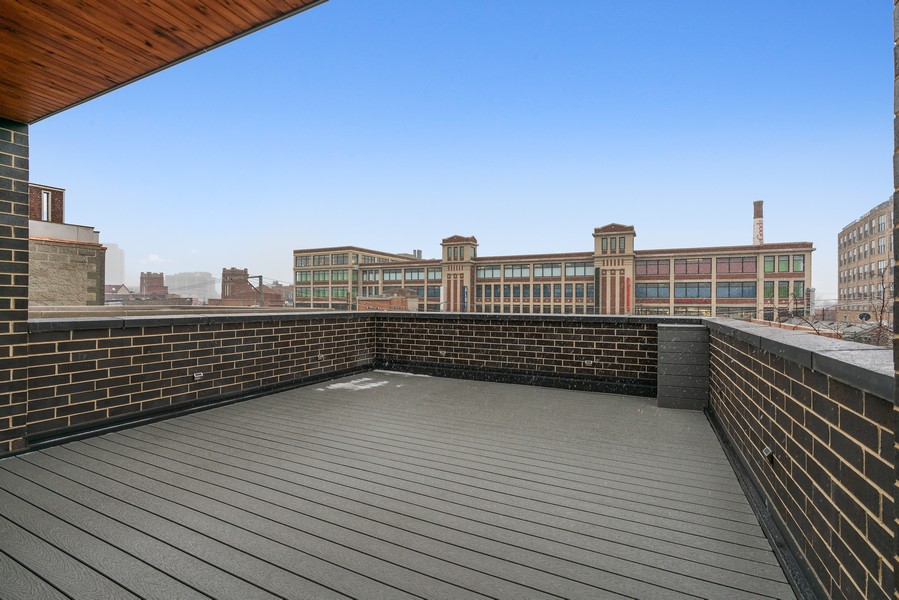 Real Estate Photography - 1860 N Maud Ave, Chicago, IL, 60614 - Roof Deck