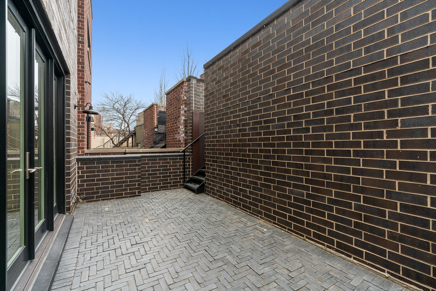 Real Estate Photography - 1860 N Maud Ave, Chicago, IL, 60614 - Patio