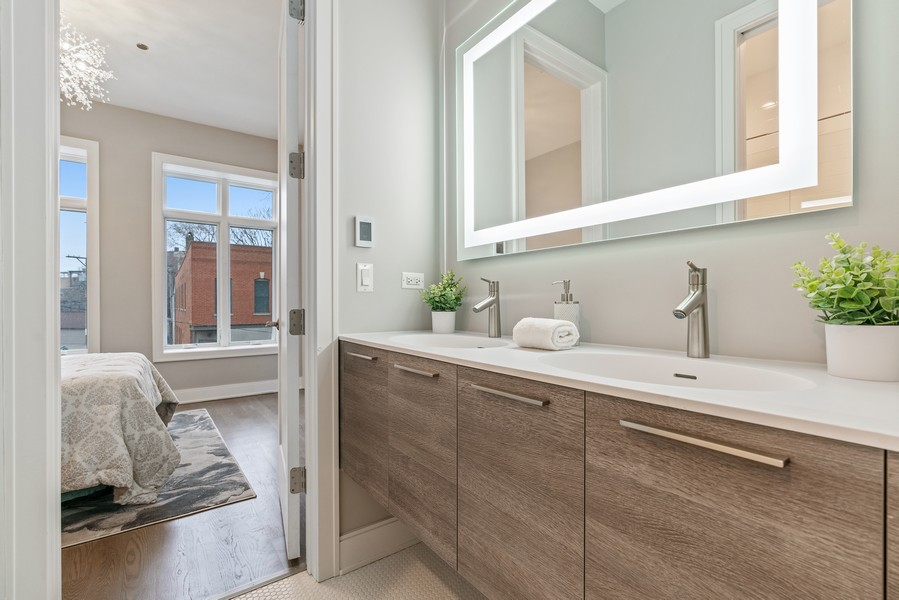 Real Estate Photography - 1860 N Maud Ave, Chicago, IL, 60614 - 2nd Bathroom