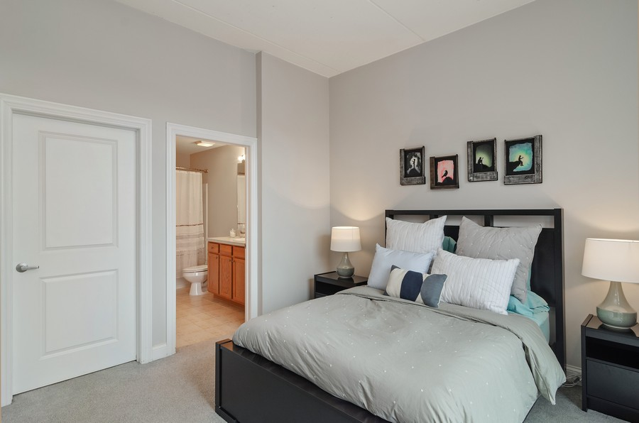 Real Estate Photography - 4814 N Clark St, Unit 511, Chicago, IL, 60640 - Master Bedroom