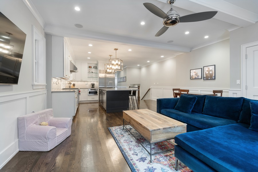 Real Estate Photography - 3729 N Wilton Ave, 1S, Chicago, IL, 60613 - Family Room
