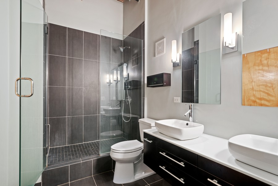 Real Estate Photography - 1000 W. Washington Blvd, 326, Chicago, IL, 60607 - Master Bathroom