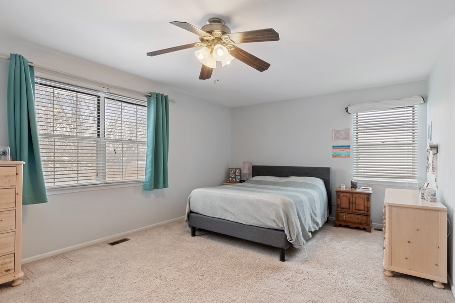 Real Estate Photography - 604, Bordeaux Court West, Buffalo Grove, IL, 60089 - Master Bedroom
