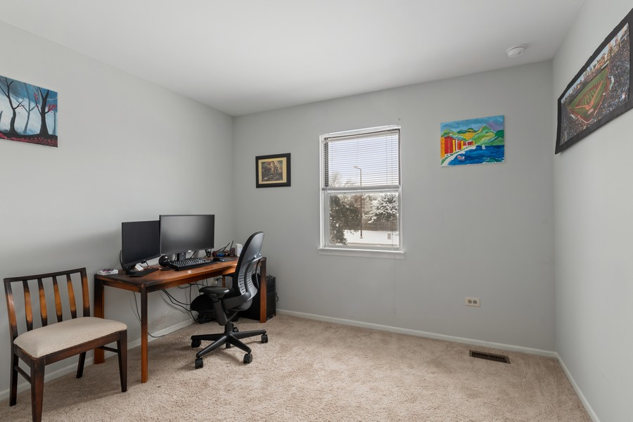 Real Estate Photography - 604, Bordeaux Court West, Buffalo Grove, IL, 60089 - Office