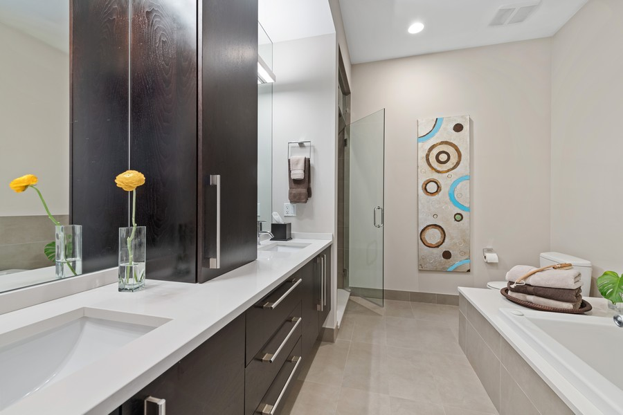 Real Estate Photography - 1335 N Bosworth, 1S, Chicago, IL, 60642 - Master Bathroom