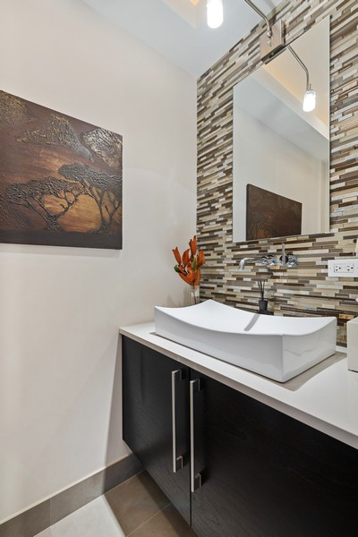 Real Estate Photography - 1335 N Bosworth, 1S, Chicago, IL, 60642 - Half Bath