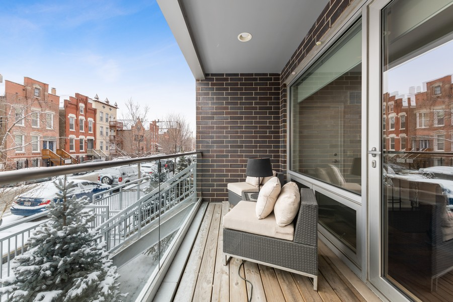 Real Estate Photography - 1335 N Bosworth, 1S, Chicago, IL, 60642 - Balcony