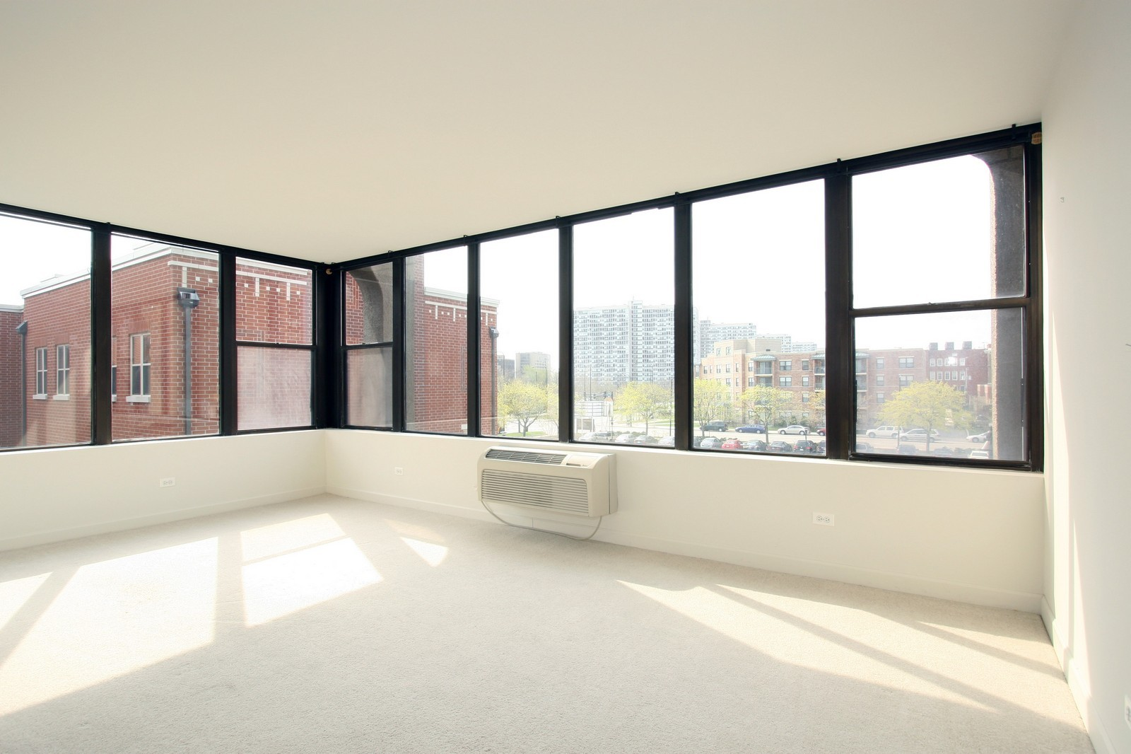 Real Estate Photography - 345 E. Eastgate Pl., 306, Chicago, IL, 60616 - Living Room