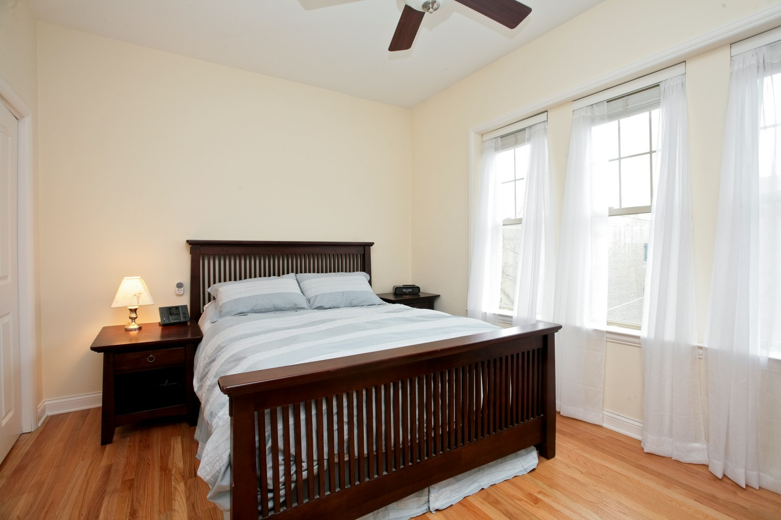 Real Estate Photography - 2646 W Gunnison St, Unit 2, Chicago, IL, 60625 - Master Bedroom