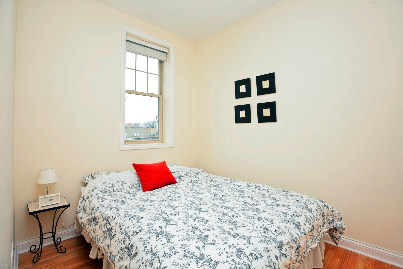 Real Estate Photography - 2646 W Gunnison St, Unit 2, Chicago, IL, 60625 - 2nd Bedroom