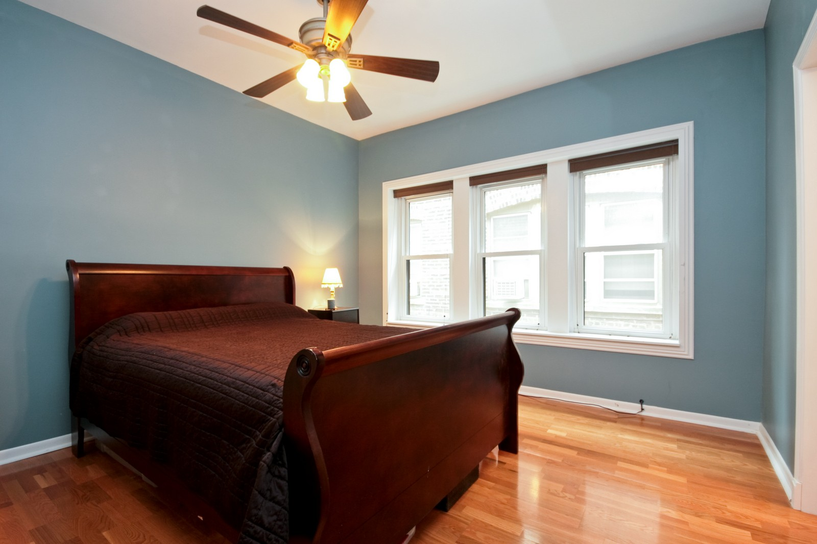 Real Estate Photography - 924 W Buena Ave, Unit 2, Chicago, IL, 60613 - Master Bedroom