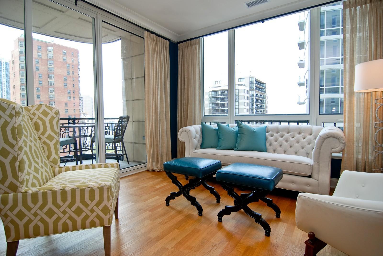 Real Estate Photography - 10 E Delaware Ave, Chicago, IL, 60610 - Location 5