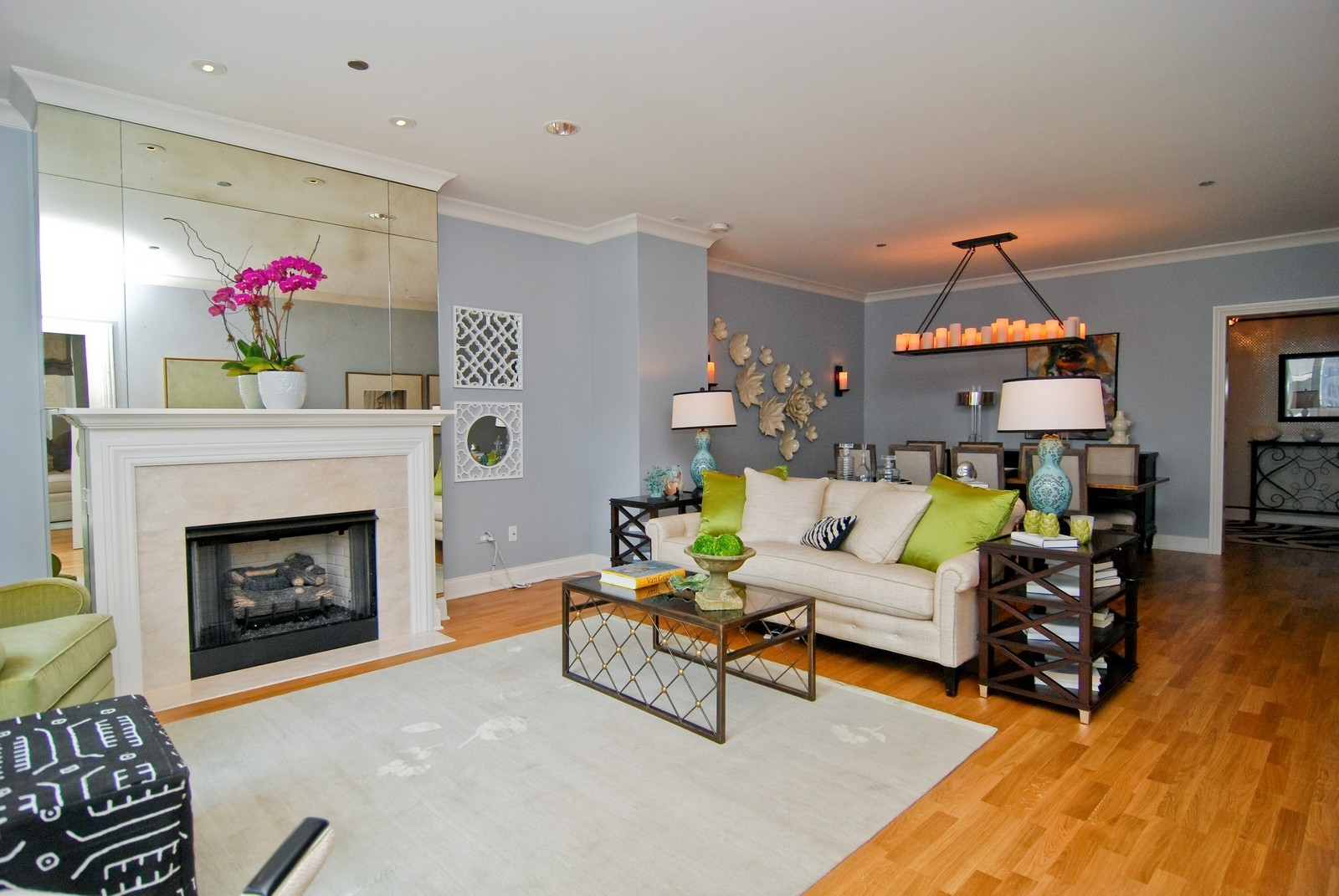 Real Estate Photography - 10 E Delaware Ave, Chicago, IL, 60610 - Living Room
