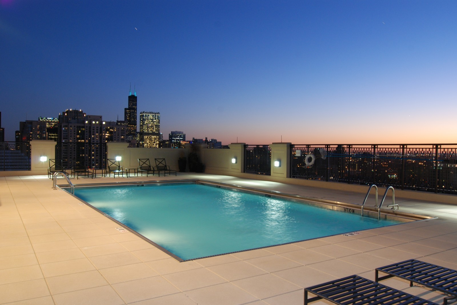 Real Estate Photography - 10 E Delaware Ave, Chicago, IL, 60610 - Pool