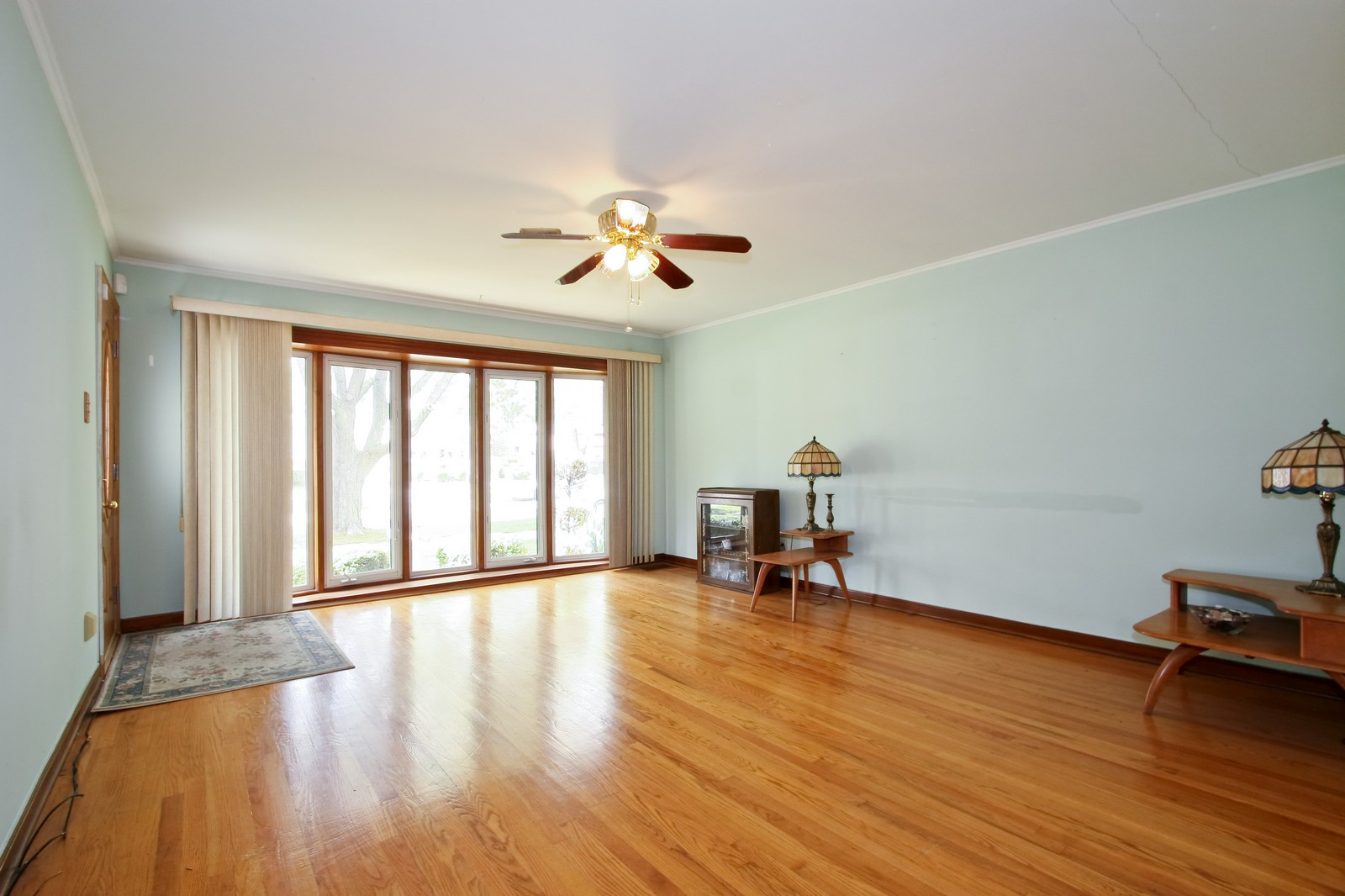 Real Estate Photography - 5813 S Natoma, Chicago, IL, 60638 - Living Room
