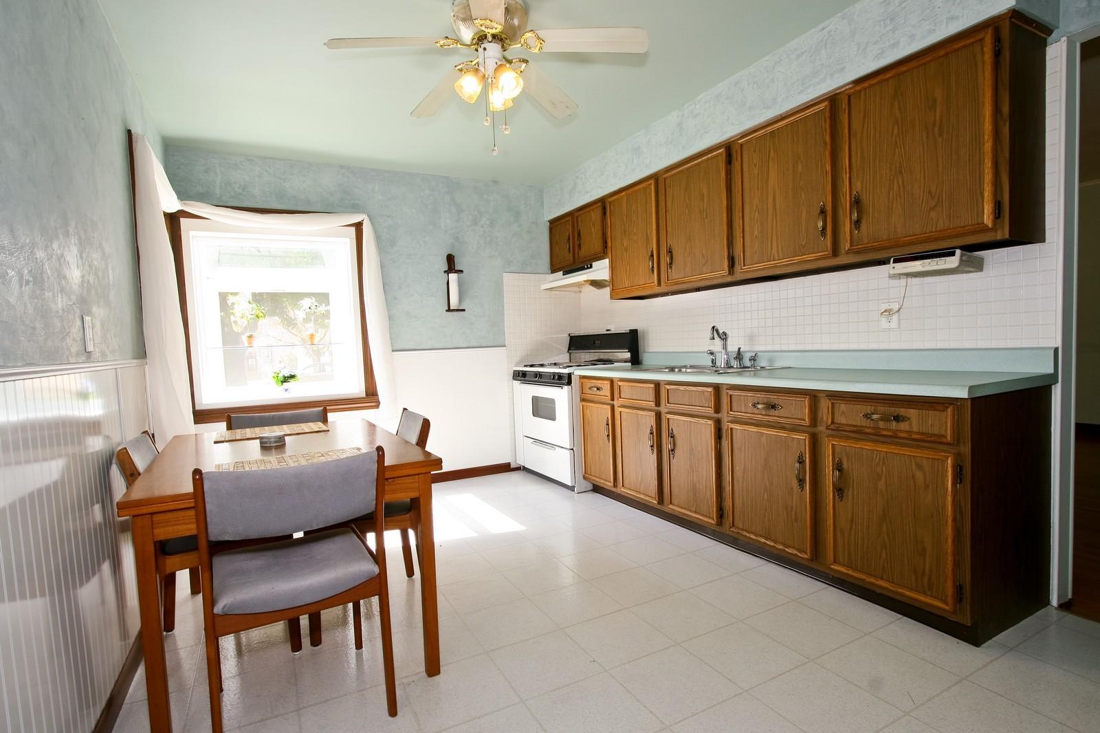 Real Estate Photography - 5813 S Natoma, Chicago, IL, 60638 - Kitchen