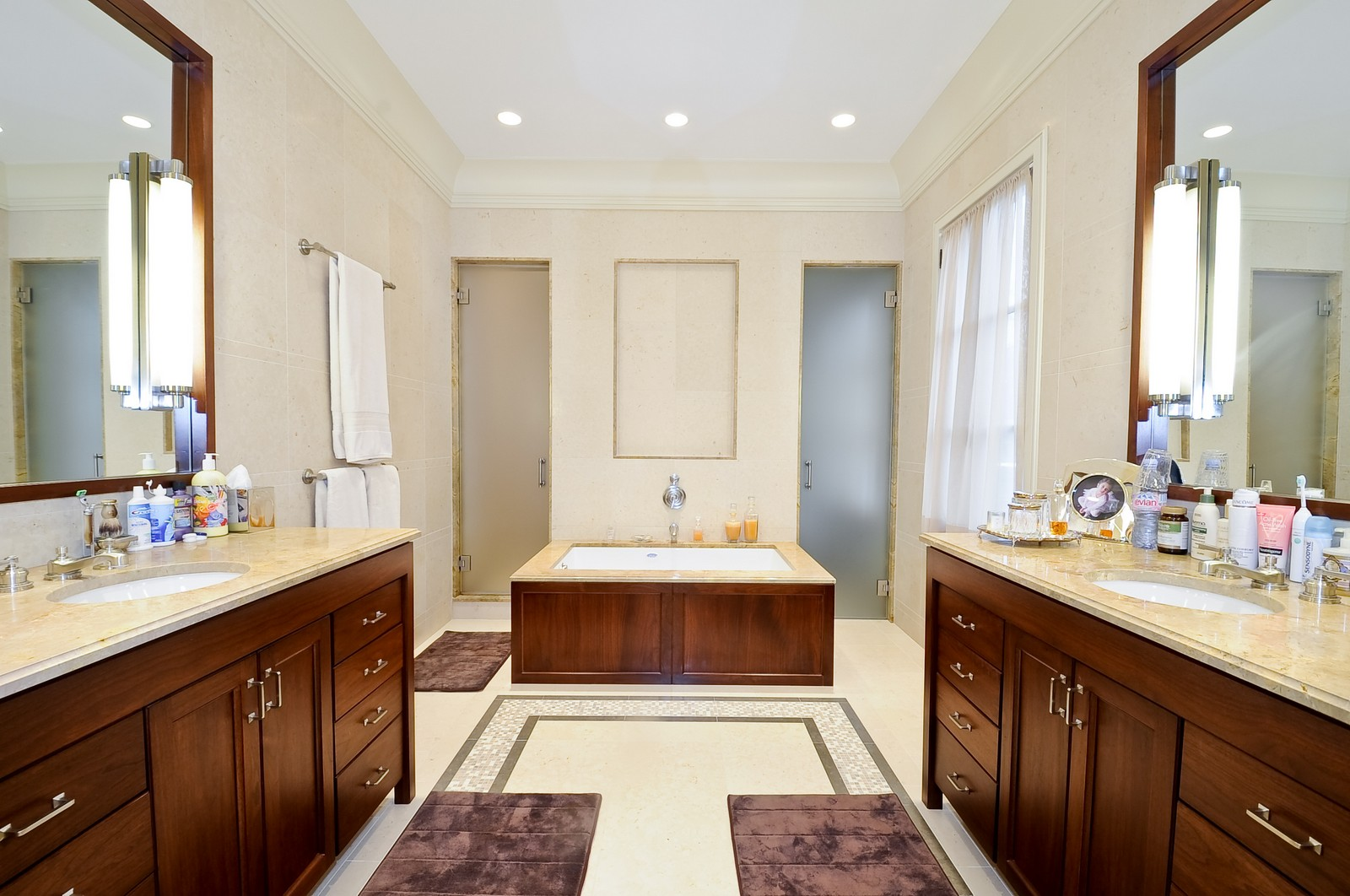 Real Estate Photography - 2214 N Magnolia, Chicago, IL, 60614 - Master Bathroom