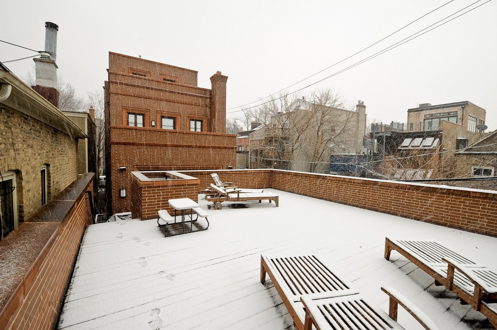 Real Estate Photography - 2214 N Magnolia, Chicago, IL, 60614 - Deck