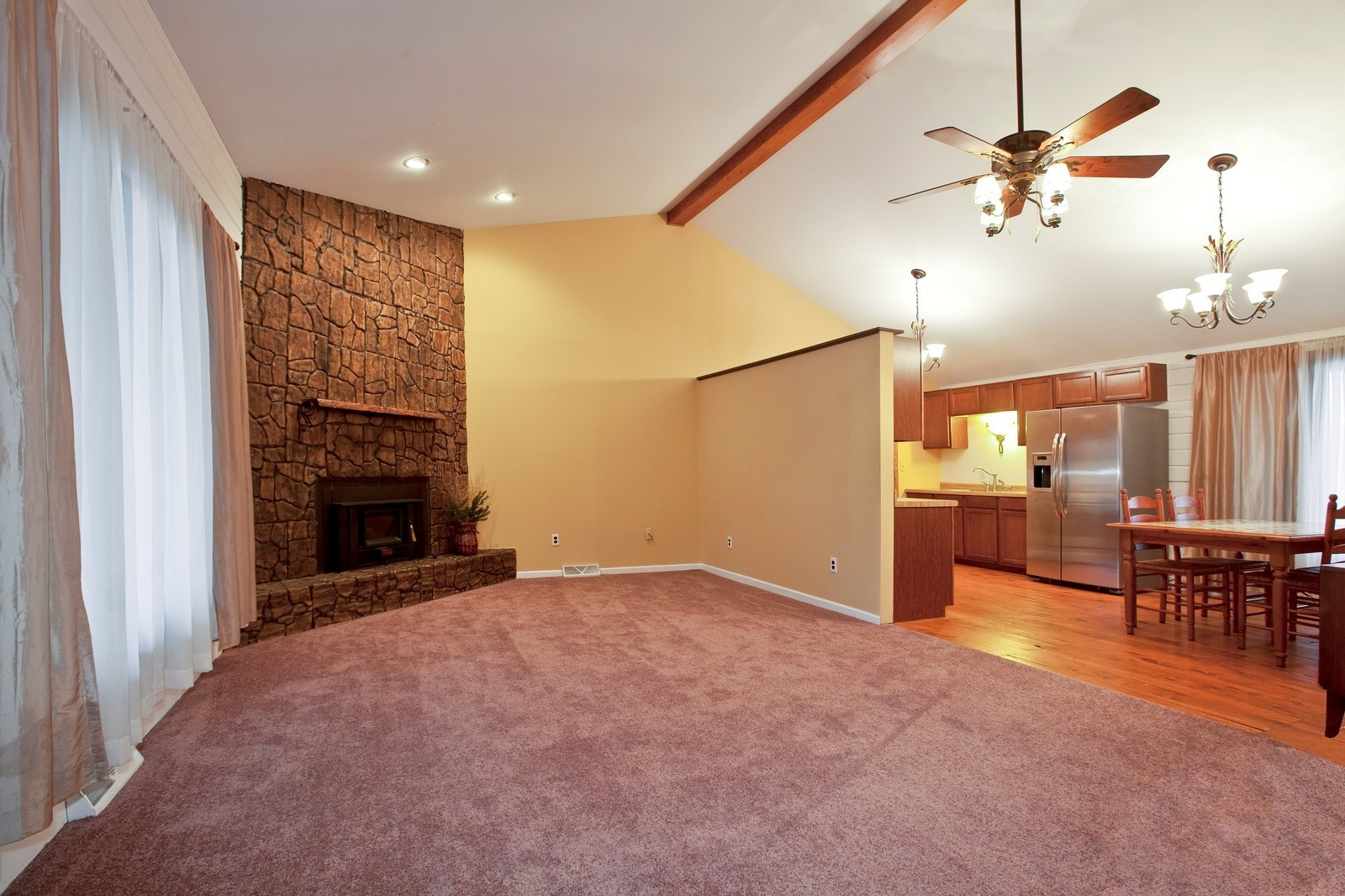 Real Estate Photography - 23087 W. Kankakee River Drive, Wilmington, IL, 60481 - Living Room