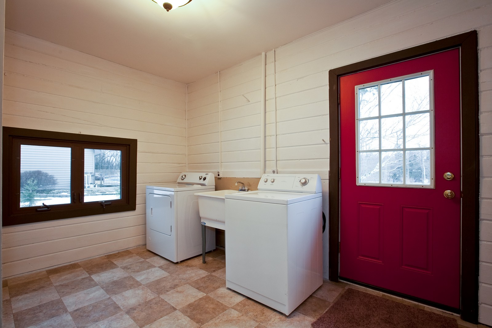 Real Estate Photography - 23087 W. Kankakee River Drive, Wilmington, IL, 60481 - Laundry Room