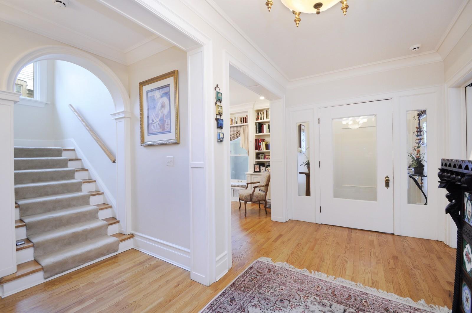Real Estate Photography - 486 Greenleaf, Glencoe, IL, 60022 - Foyer