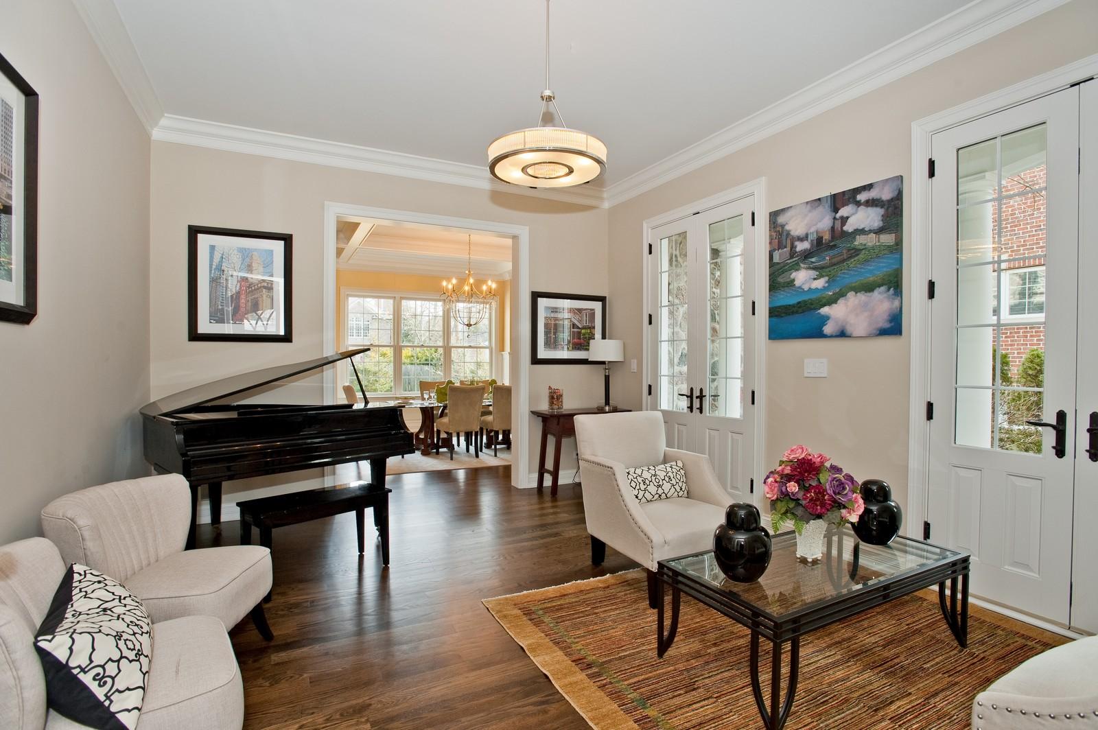 Real Estate Photography - 339 Linden, Winnetka, IL, 60093 - Living Room