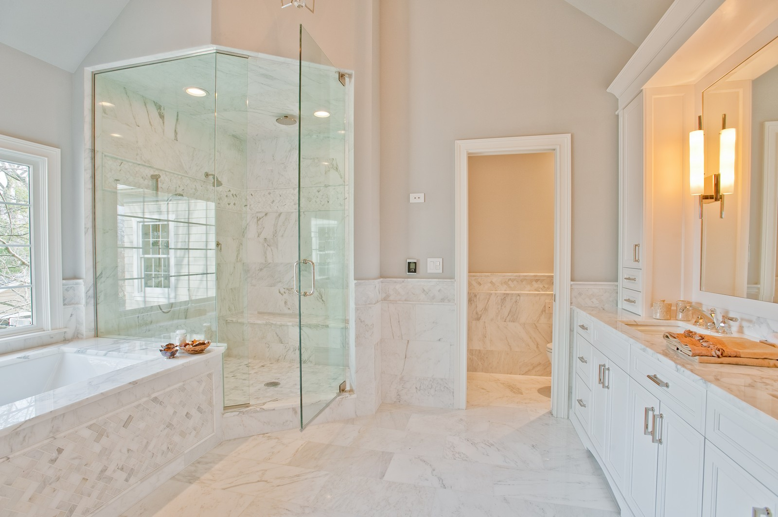 Real Estate Photography - 339 Linden, Winnetka, IL, 60093 - Master Bathroom