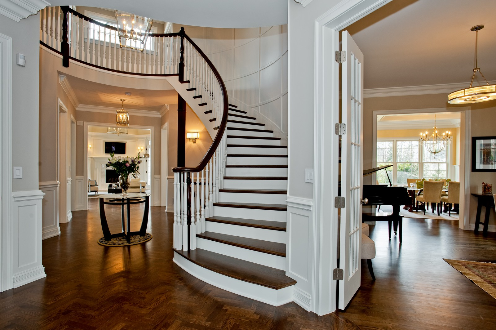 Real Estate Photography - 339 Linden, Winnetka, IL, 60093 - Foyer