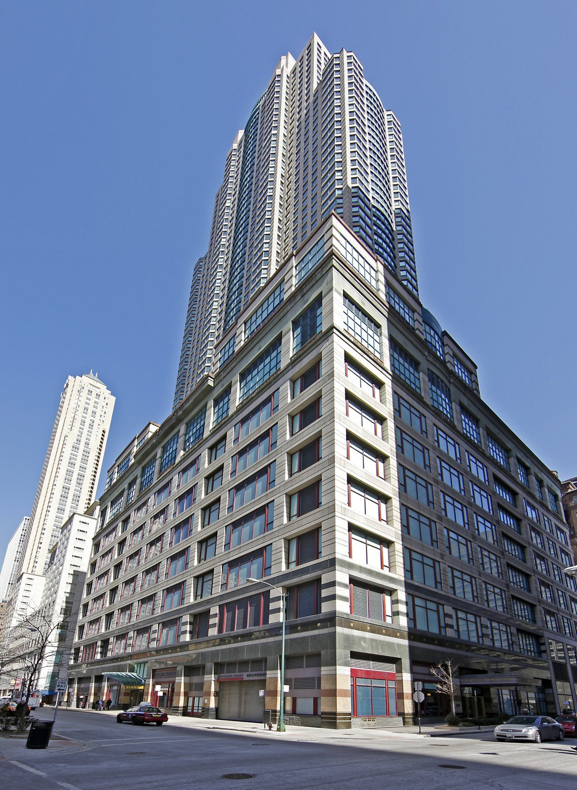 Real Estate Photography - 100 E Huron, Unit 4504, Chicago, IL, 60611 - Front View