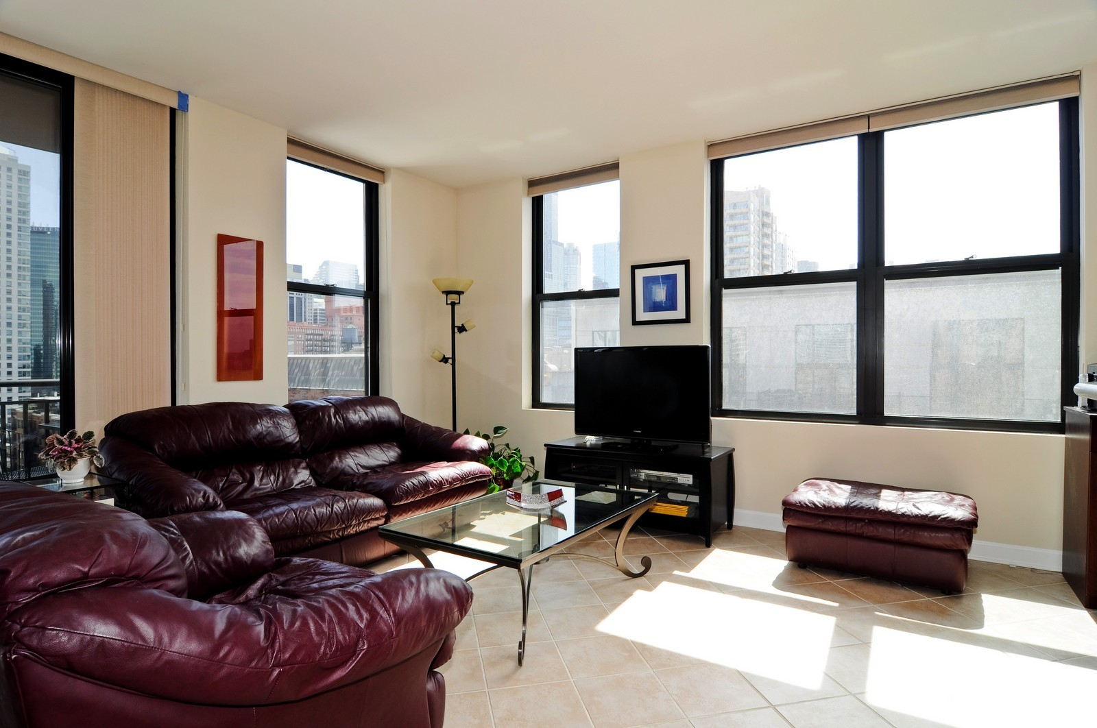 Real Estate Photography - 330 N Jefferson, #1104, Chicago, IL, 60661 - Living Room