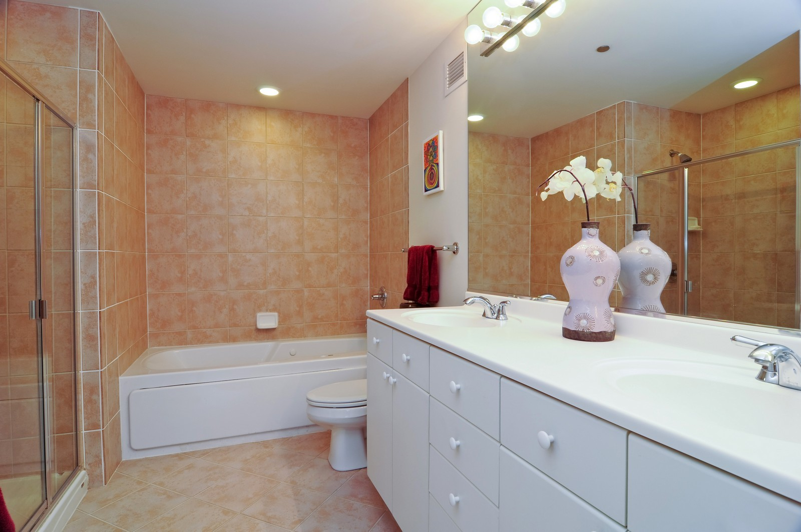 Real Estate Photography - 330 N Jefferson, #1104, Chicago, IL, 60661 - Master Bathroom