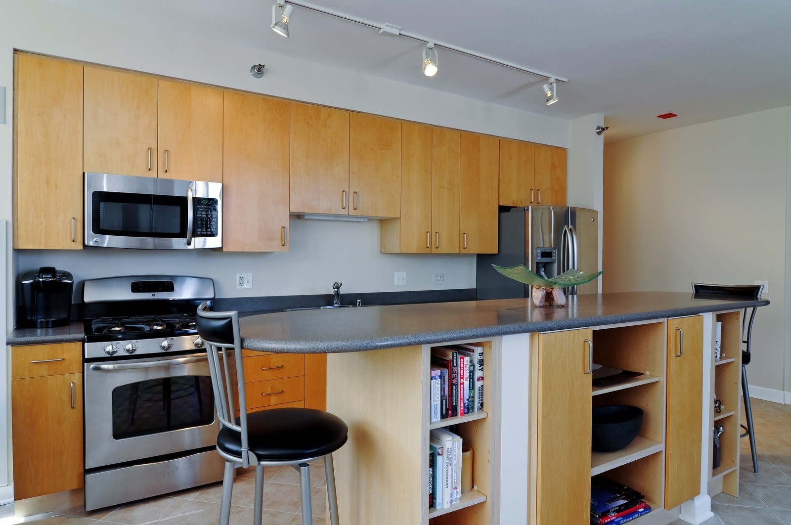 Real Estate Photography - 330 N Jefferson, #1104, Chicago, IL, 60661 - Kitchen