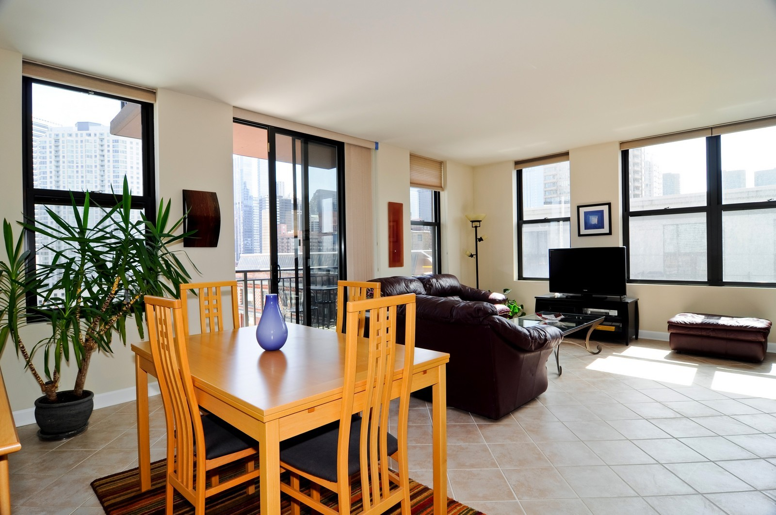 Real Estate Photography - 330 N Jefferson, #1104, Chicago, IL, 60661 - Living Room / Dining Room