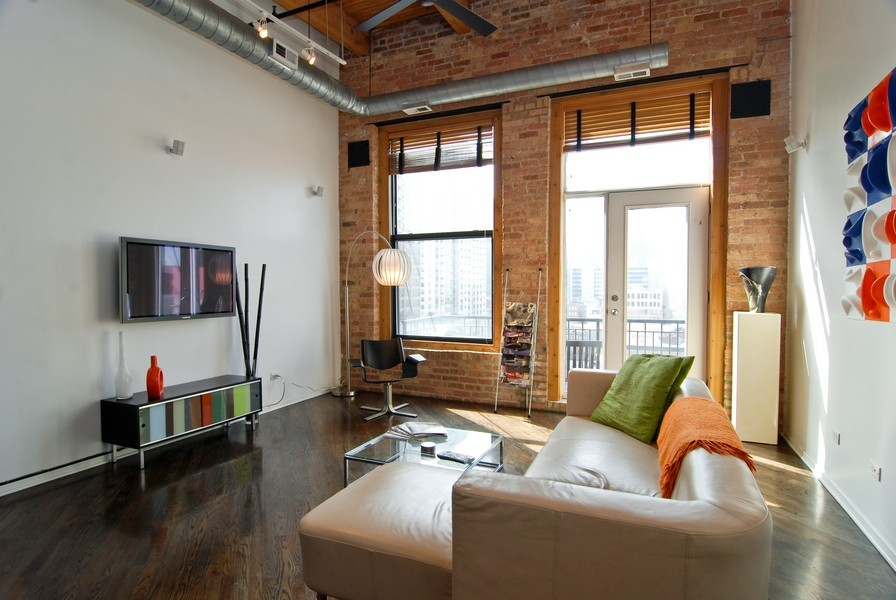 Real Estate Photography - 616 W Fulton, Unit 612, Chicago, IL, 60661 - Living Room