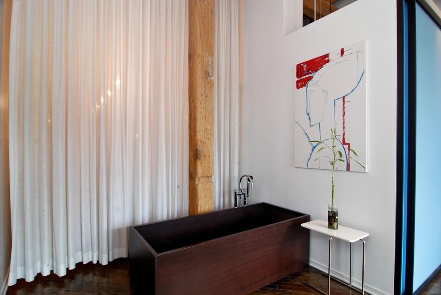 Real Estate Photography - 616 W Fulton, Unit 612, Chicago, IL, 60661 - Room