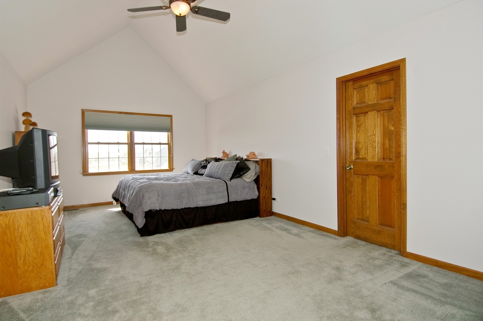 Real Estate Photography - 491 Clover, Algonquin, IL, 60102 - Master Bedroom