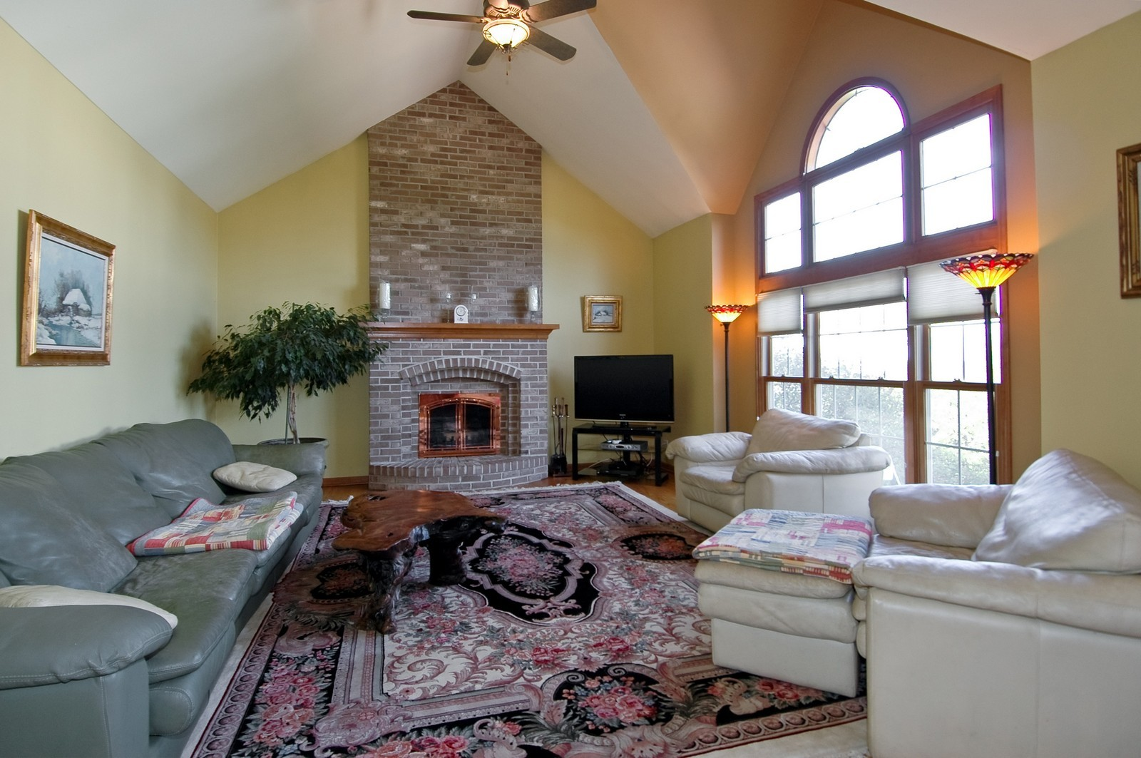 Real Estate Photography - 491 Clover, Algonquin, IL, 60102 - Family Room