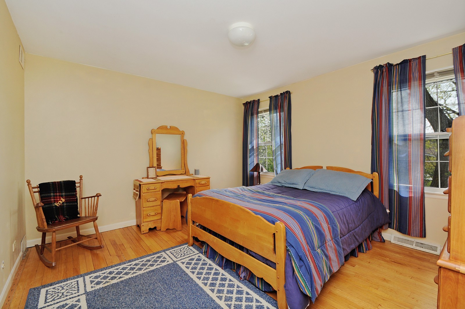 Real Estate Photography - 235 Sunset Drive, Northfield, IL, 60093 - 2nd Bedroom