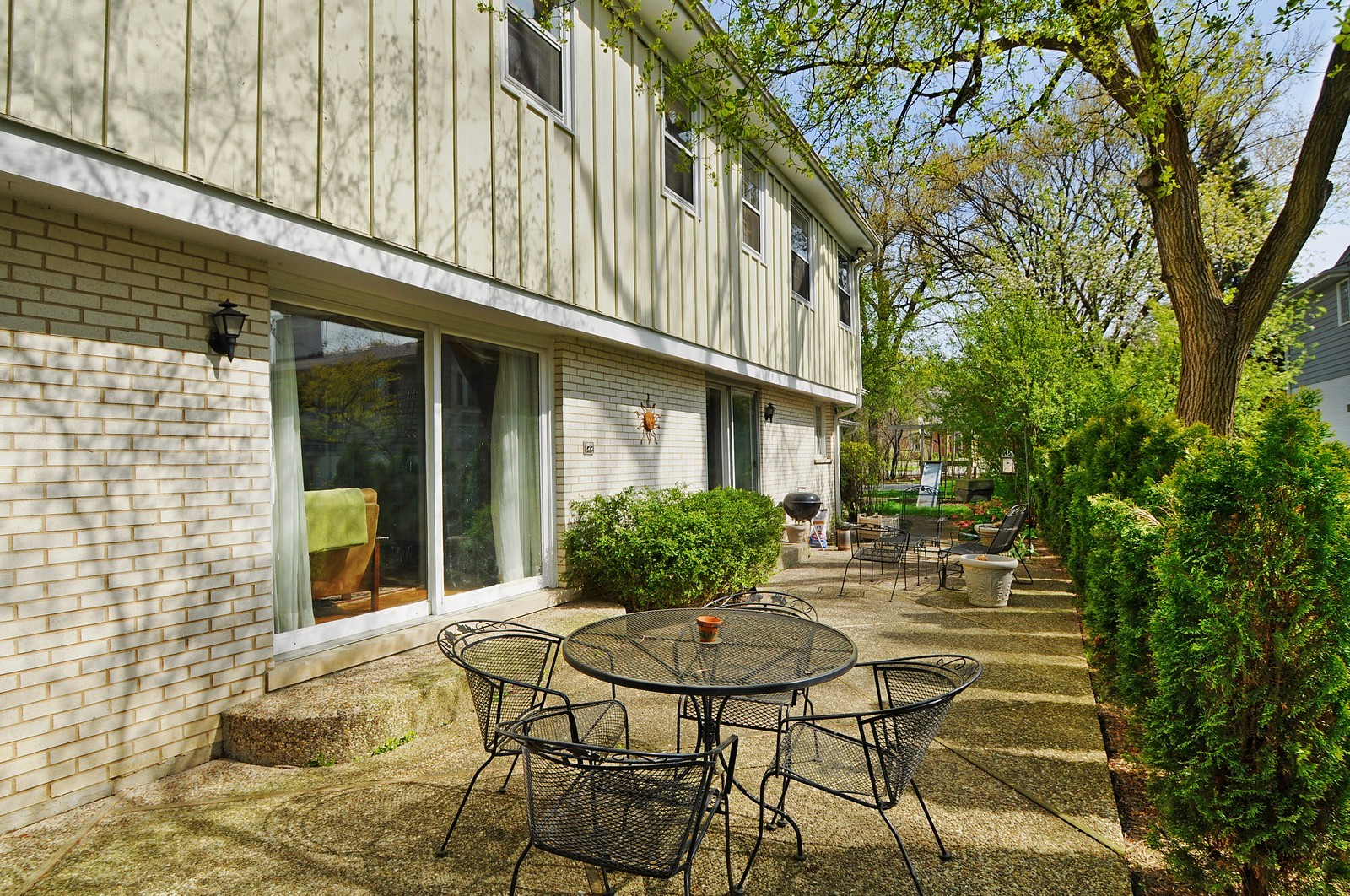 Real Estate Photography - 235 Sunset Drive, Northfield, IL, 60093 - Patio