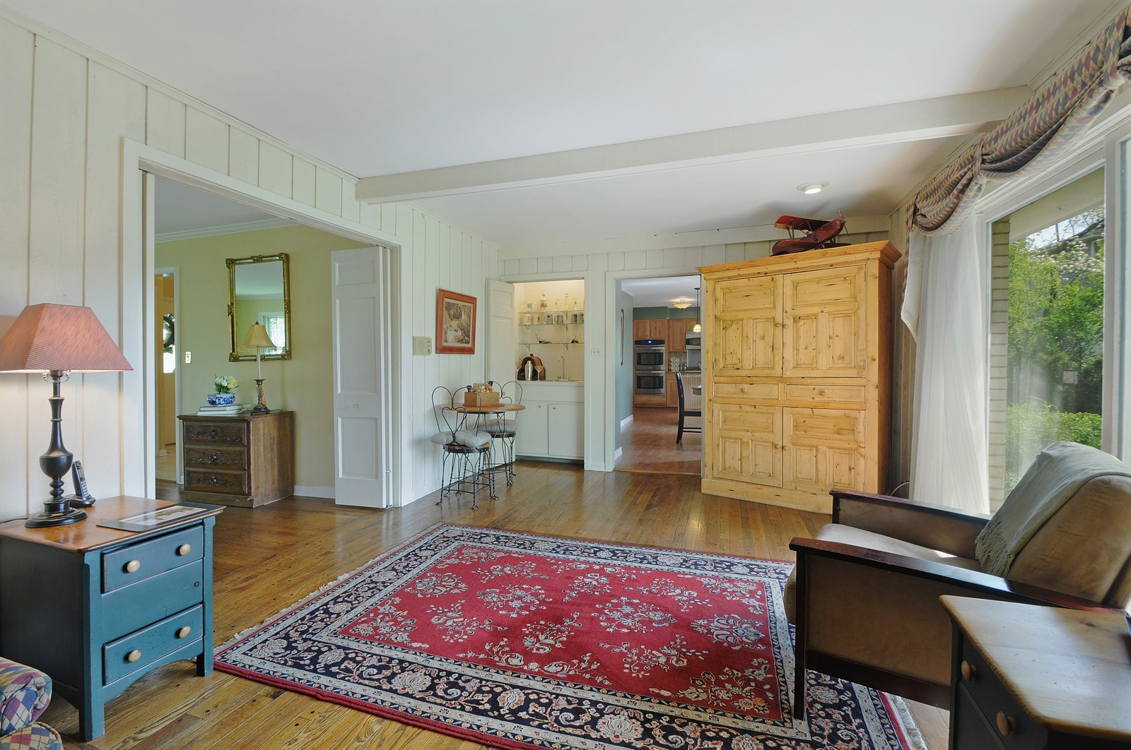 Real Estate Photography - 235 Sunset Drive, Northfield, IL, 60093 - Family Room / Kitchen