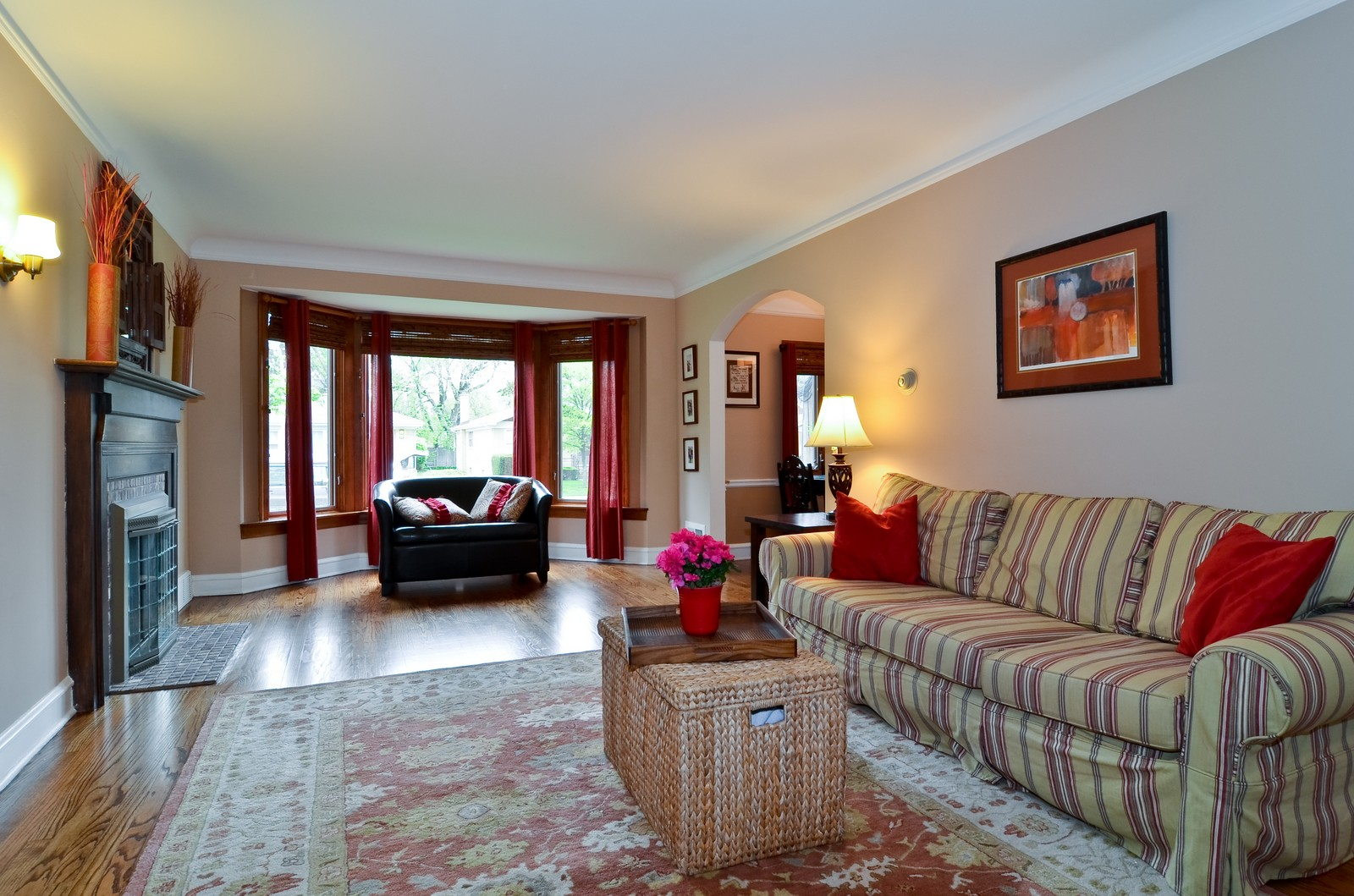 Real Estate Photography - 6712 N Dowagic, Chicago, IL, 60646 - Living Room