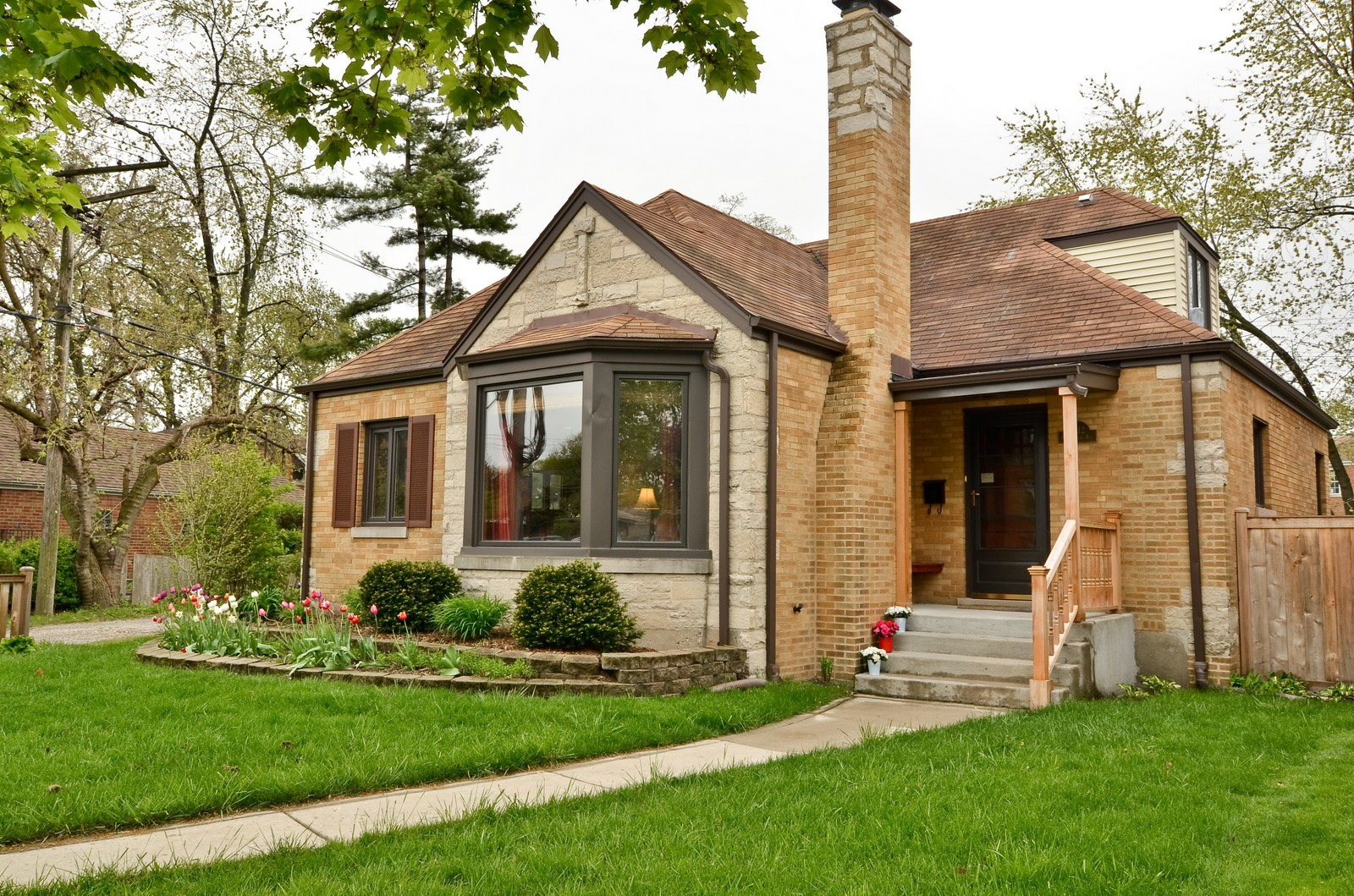 Real Estate Photography - 6712 N Dowagic, Chicago, IL, 60646 - Front View