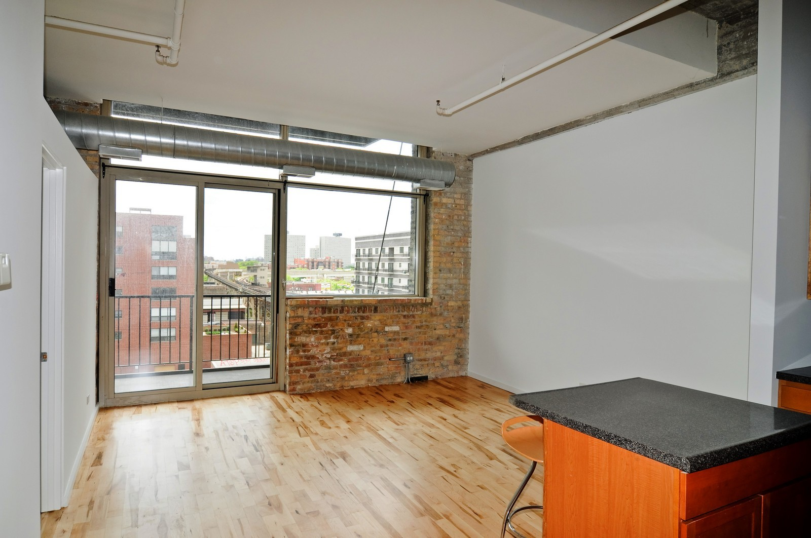 Real Estate Photography - 1528 S Wabash, Unit 509, Chicago, IL, 60605 - Living Room
