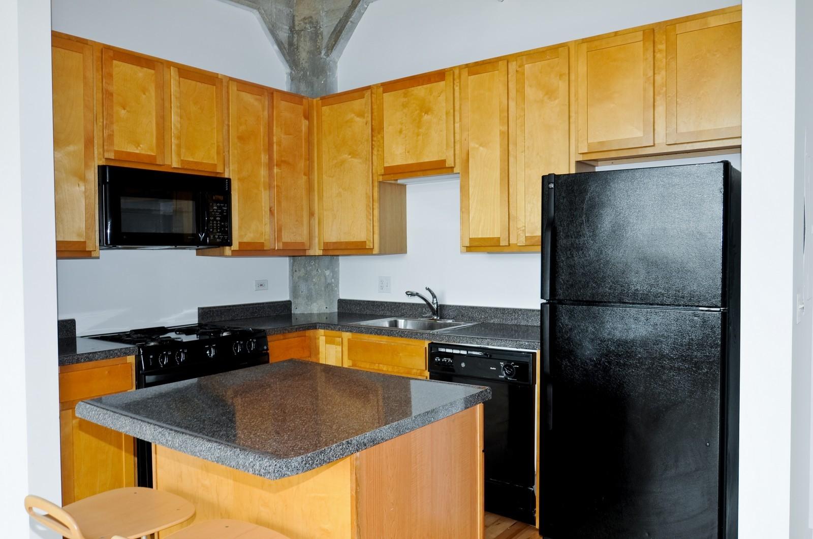 Real Estate Photography - 1528 S Wabash, Unit 509, Chicago, IL, 60605 - Kitchen