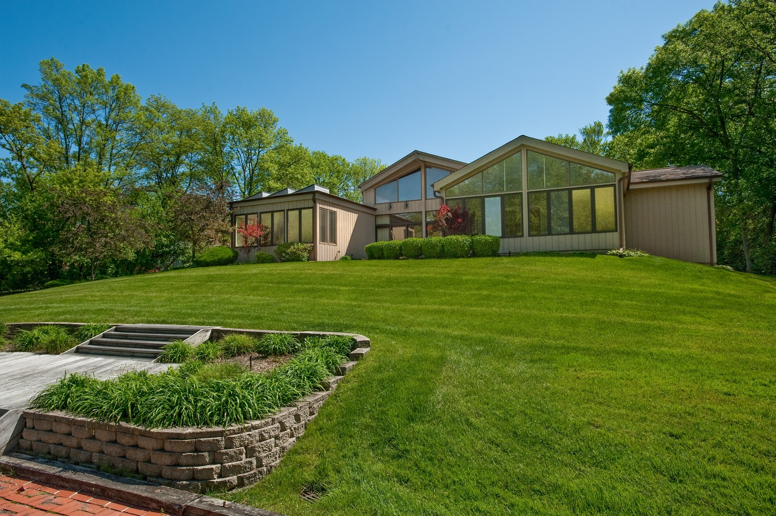 Real Estate Photography - 804 Happ Rd, Northfield, IL, 60093 - Rear View