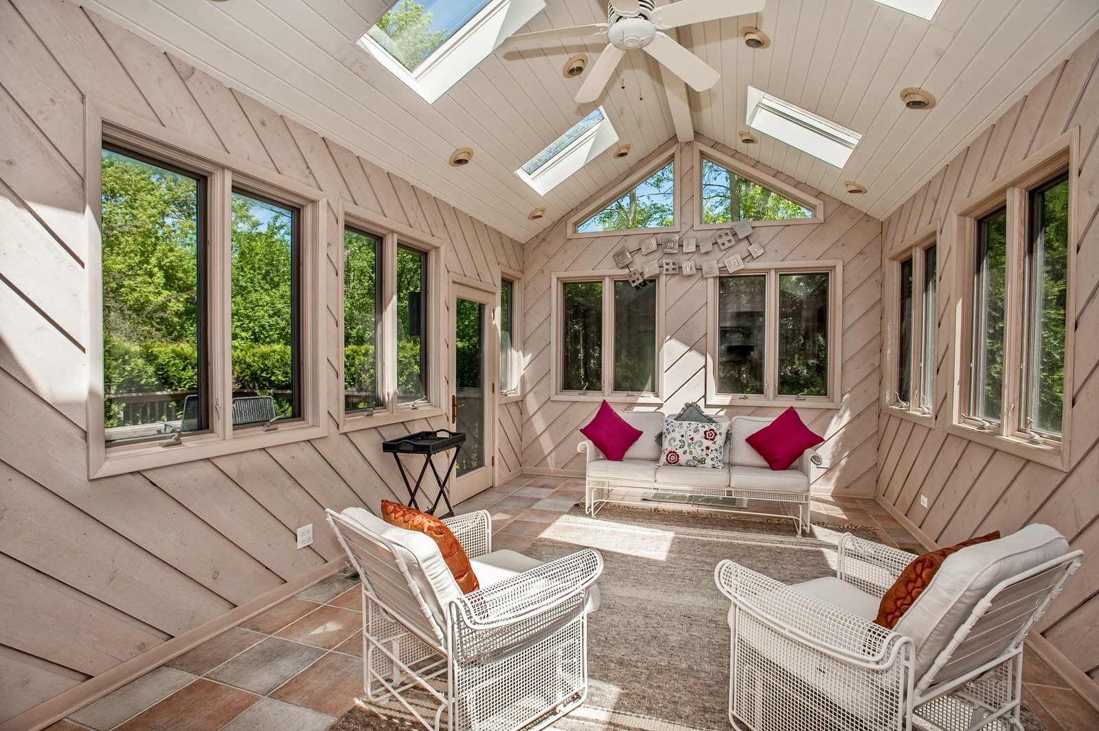 Real Estate Photography - 804 Happ Rd, Northfield, IL, 60093 - Sun Room