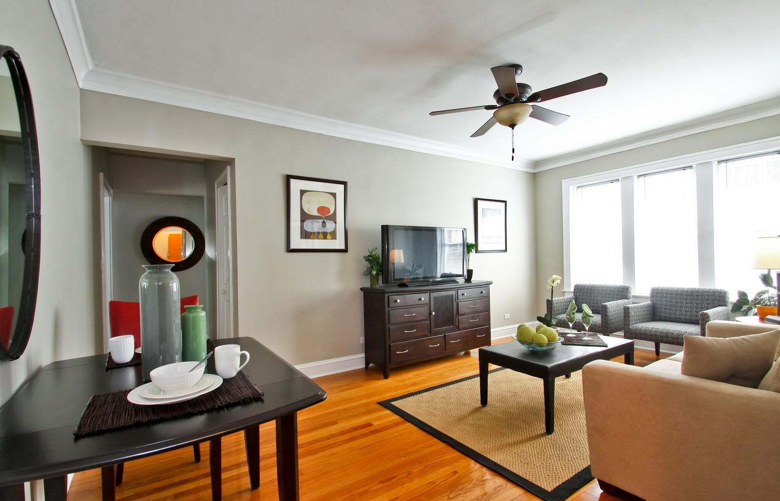 Real Estate Photography - 723 Reba Pl, Unit 3N, Evanston, IL, 60202 - Living Room