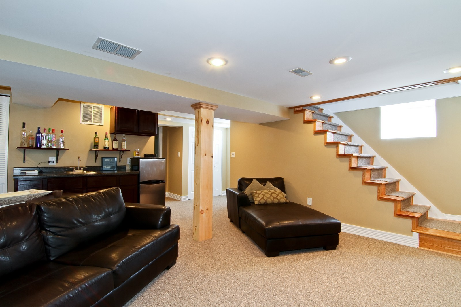 Real Estate Photography - 7760 W 82nd St, Bridgeview, IL, 60455 - Lower Level
