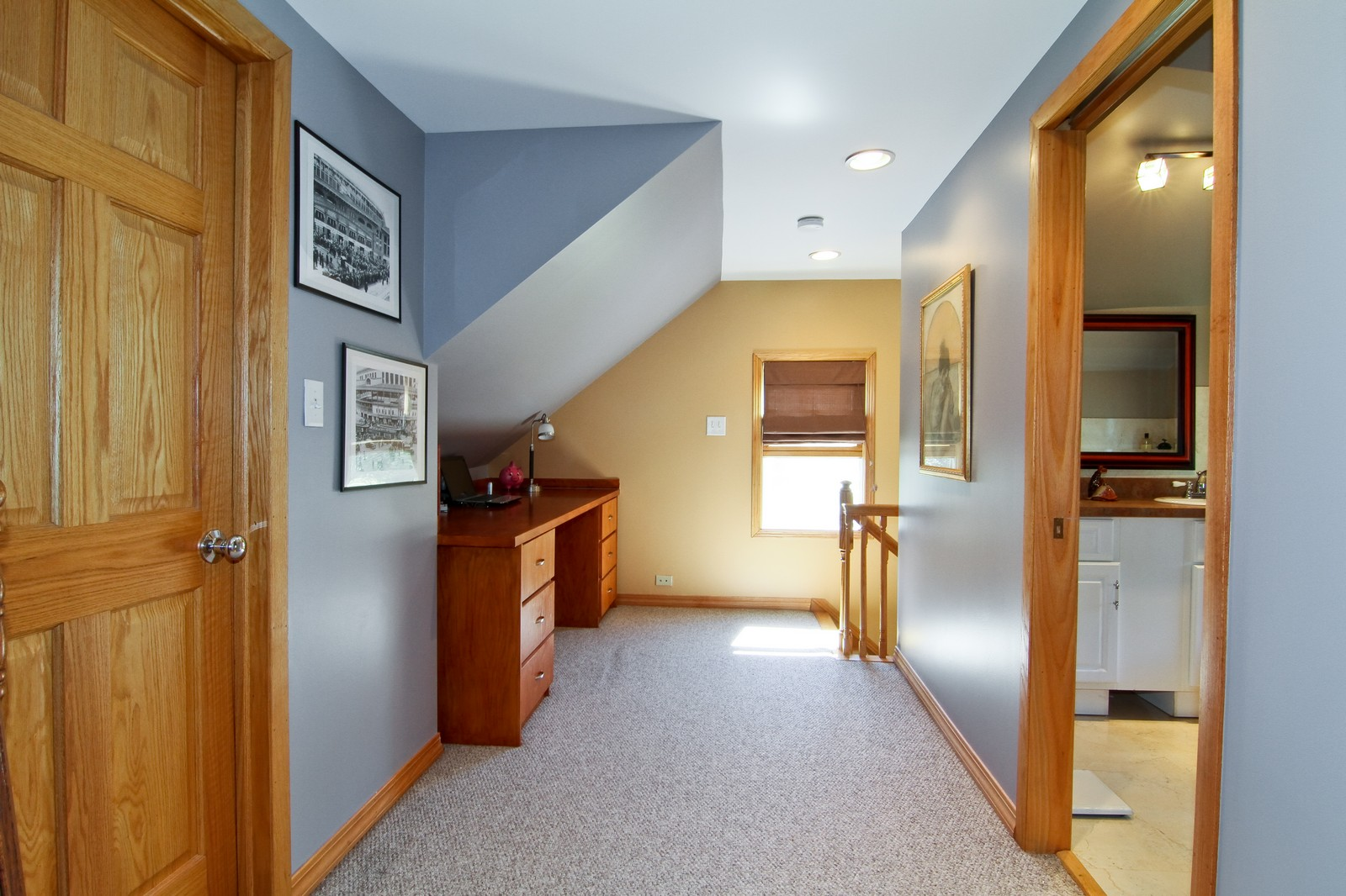 Real Estate Photography - 7760 W 82nd St, Bridgeview, IL, 60455 - Hallway